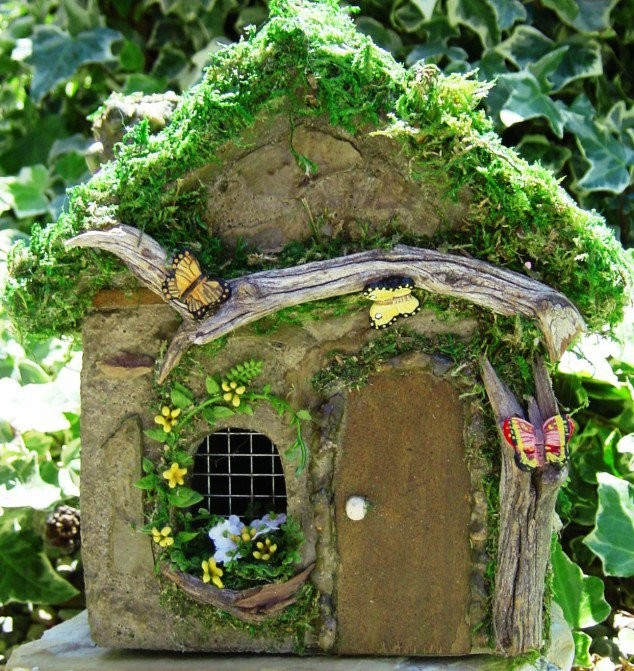 Fairy Homes And Gardens House 634x671 15 Dreamy Cottages That Will Turn Your