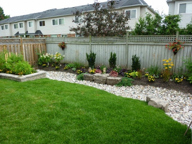 15 Stylish Garden Designs That Use Stones And Rocks on Patio And Backyard Ideas id=81668