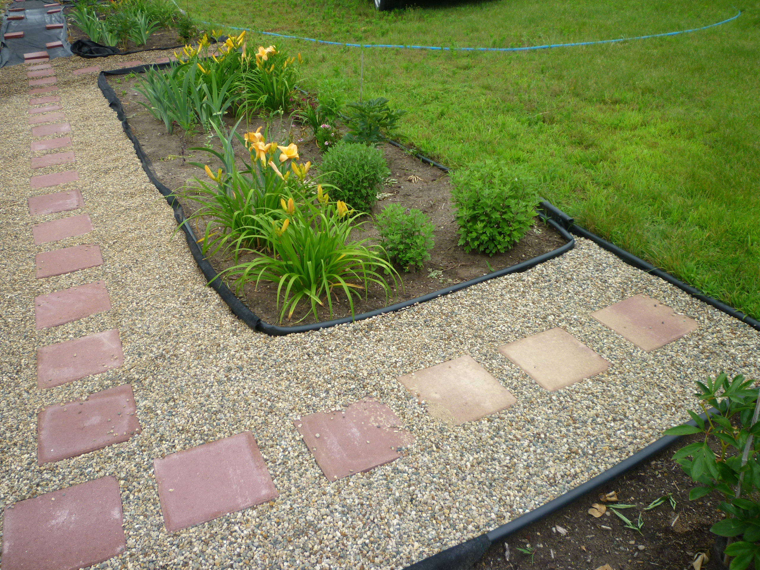 Stepping Stones Garden 937 Gravel Path With