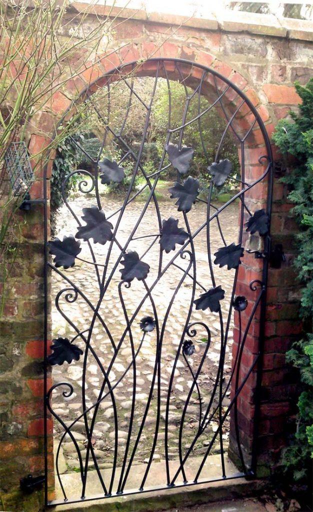 15 Decorative Metal Gate Design for Amazing First Impression